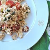 Tofucznica z chorizo, pomidorem, kolendrą i kminem rzymskim