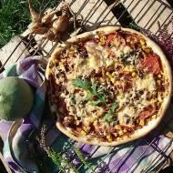 Jesienna pizza z kurkami i szalotką