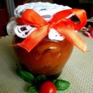 Sos pomidorowy z cukinią i bazylią do słoików na zimę