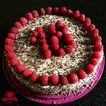 Tort z malinami i masą mascarpone