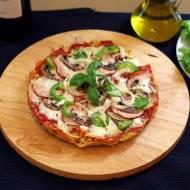 """""""Pizza"""" na spodzie z makaronu"""