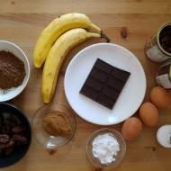 Ciasto fasolowe z bananem i daktylami