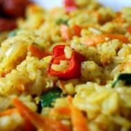 Chiński, żółty ryż z curry