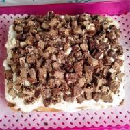 Tort czekoladowy z wafelkami