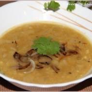 Perska zupa z czerwonej soczewicy i