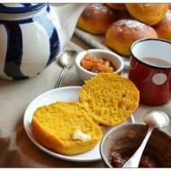 Bułeczki dyniowe z nutką pomarańczy i karmelizowanymi pomarańczami czyli Niedzielne Śniadanie odc.93