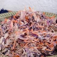 Coleslaw z wegańskim, orzechowym sosem