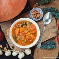 Rozgrzewająca zupa z soczewicą i jesiennymi pysznościami