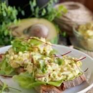 Sałatka jajeczna z awokado i rzodkiewką / Egg avocado and radish salad