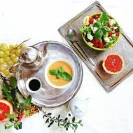Sałatka: mozzarela, pomidory, sałata.