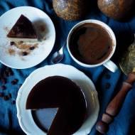 Kawowy mini torcik z quinoy bez pieczenia, bez glutenu, bez laktozy