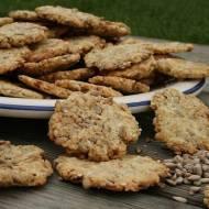 Owsiane ciasteczka z prażonym słonecznikiem i sezamem