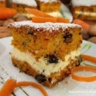 Ciasto marchewkowe z orzechami i kremem