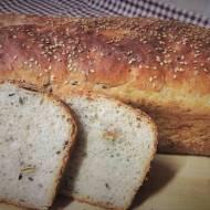 Chleb na żurku z nasionami