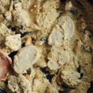 Polędwiczki wieprzowe w sosie pieczarkowym z gorczycą