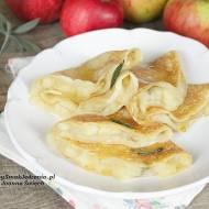 naleśniki z prażonymi jabłkami z nutką szałwii