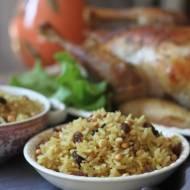 Orientalny pilaw z pełnoziarnistego ryżu