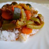 Gulasz warzywny z ciecierzycą