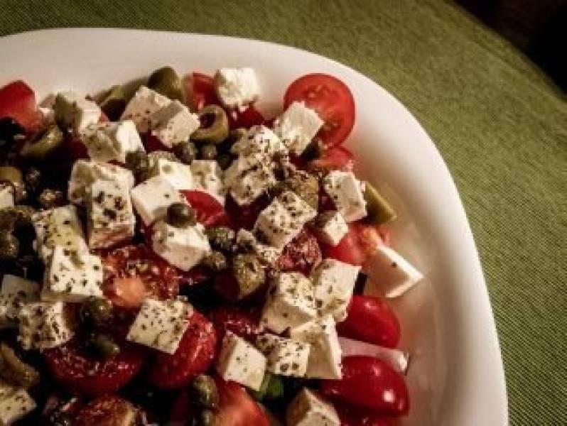 Sałatka grecka z kaparami
