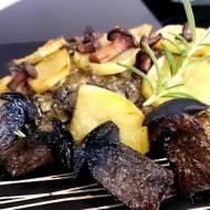karkówka zapiekana z ziemniakami i grzybami leśnymi