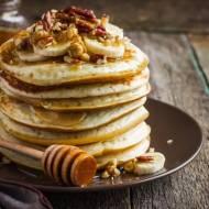 Pancakes z bananami i miodem