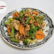 Zapiekana pierś kurczaka z kaszą gryczaną i warzywami