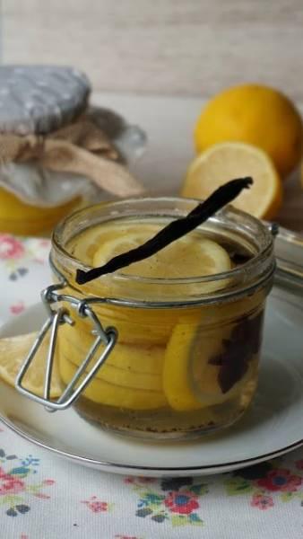 Cytryny na zimę w korzennym syropie