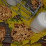 Owsiane ciasteczka z miodem i orzechami