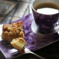 Ciasto ucierane z masą toffi i migdałami