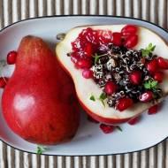 Czerwona gruszka z czarną quinoą i granatem