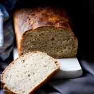 Chleb żytni na zakwasie z płatkami jaglanymi i o czytaniu