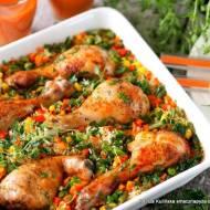 Pałki kurczaka zapiekane z ryżem i warzywami