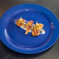 Karmelizowane piersi kurczaka / miód / kiełki / sos czosnkowy