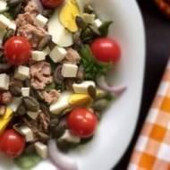 Zdrowa sałatka z tuńczykiem