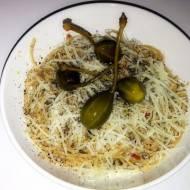 Spaghetti z oliwą, czosnkiem i tuńczykiem
