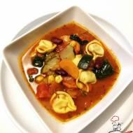 Zupa minestrone z tortellini