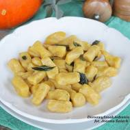 gnocchi vel kopytka z dynią i masełkiem szałwiowym