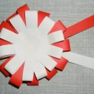 Jak zrobić prosty kotylion z papieru?