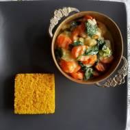 Marchewkowo- szpinakowe  curry z aromatycznym ryżem