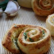 Bułeczki czosnkowo-ziołowe
