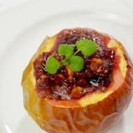 Jabłka pieczone z dżemem wiśniowym i orzechami + film