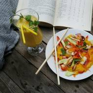 Wspomnienie lata czyli Tajska sałatka z puree z mango i orzechami nerkowca