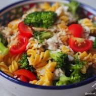 Pomysł na… makaron z dorszem i brokułami