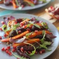Sałatka z pieczonych warzyw i komosy ryżowej