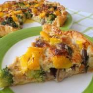 Tarta z brokułami, tuńczykiem i grzybami (Torta salata con broccoletti, tonno e funghi)