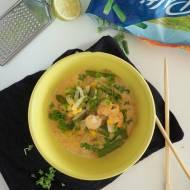 Zupa tajska z krewetkami i fasolą szparagową