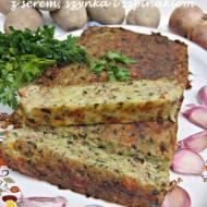 Babka ziemniaczana z szpinakiem, serem i szynką