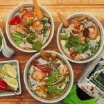 Tom Yum z krewetkami i dorszem. Tajska zupa z krewetkami i dorszem.