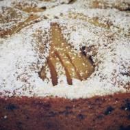 Ciasto z kawałkami czekolady i gruszką