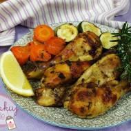 Pieczone udka z kurczaka z warzywami